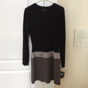 IZ Byer long sleeve Dress